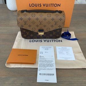 Louis Vuitton reverse pochette Métis